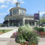 Between the marina and Wahlburgers: Alma's Across The Street
