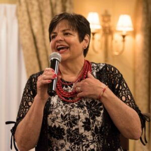 Annmarie Kelly, speaker, author, lifestyle influencer for women over 40